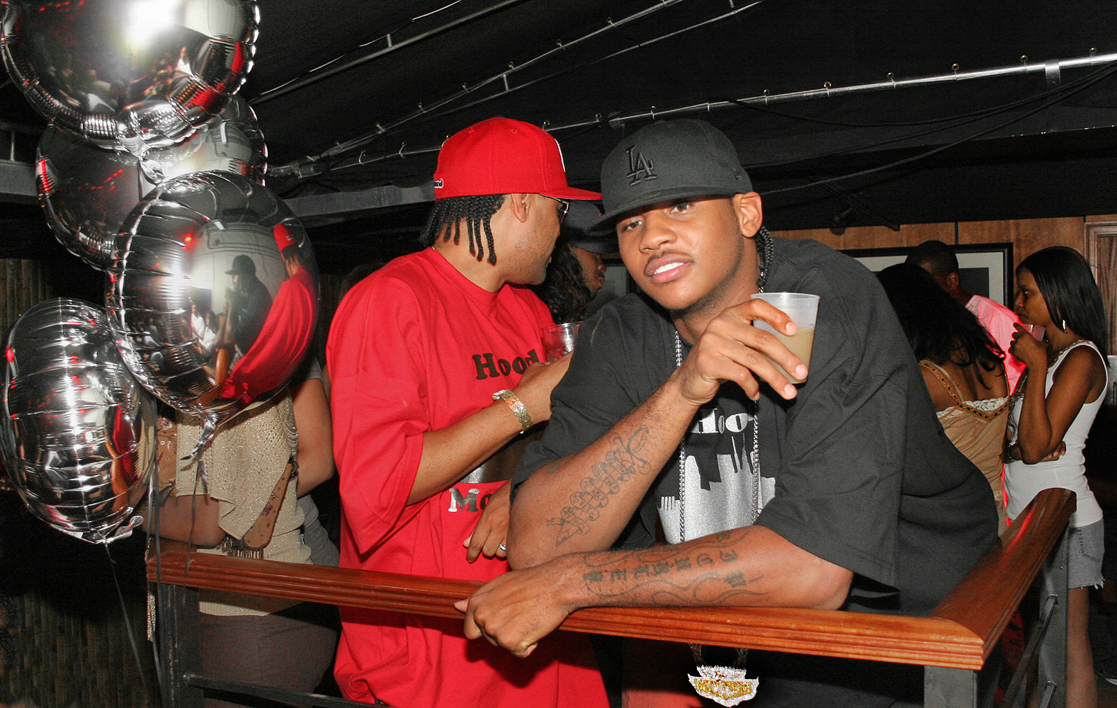 carmelo anthony clubbing chilling drinking 1000