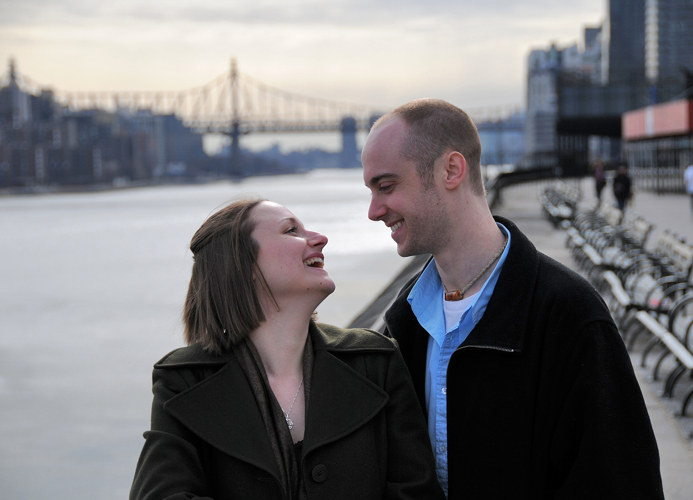 couple laughing nyc bridge 1000